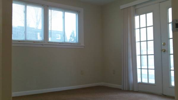 15 Burnham Street - Apartment 1 at 15 Burnham Street, South Portland, ME 04106, USA for 1050