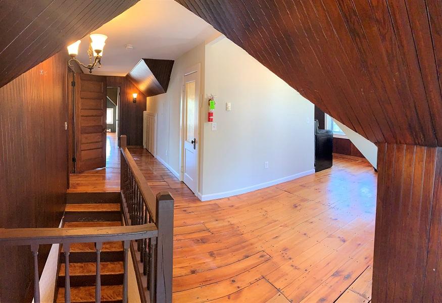 65 Pine Street – Apartment 6 HUGE!! 1BR + den/office!!