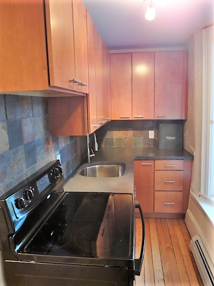 285 Brackett Street – Apartment 1 – $250 Amazon Gift Card!!