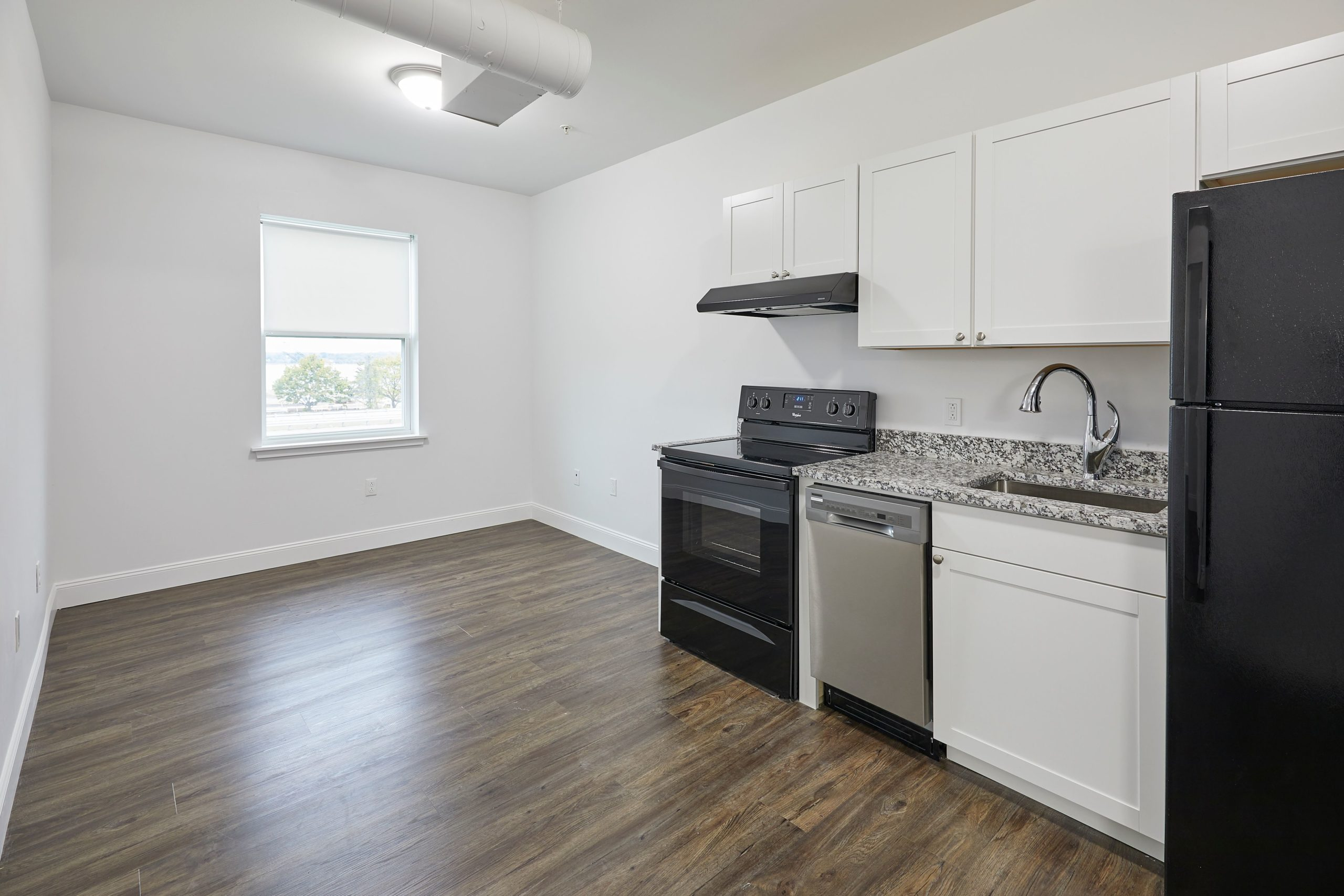 132 Marginal Way – The Linden – Apartment 203  **City View! Remodeled Modern 1 Bed!**